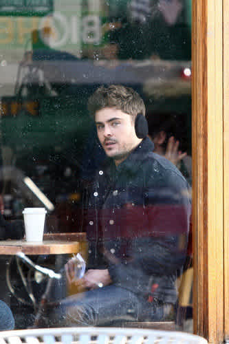 Zac Efron Wears Earmuffs & Looks Ridiculous -- Let This Be a Lesson, Guys    CafeMom.com