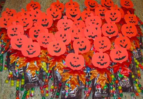 Halloween Candy Ideas.10 Crafty Halloween Candy Ideas To Make Your House The Coolest On The Block Cafemom Com