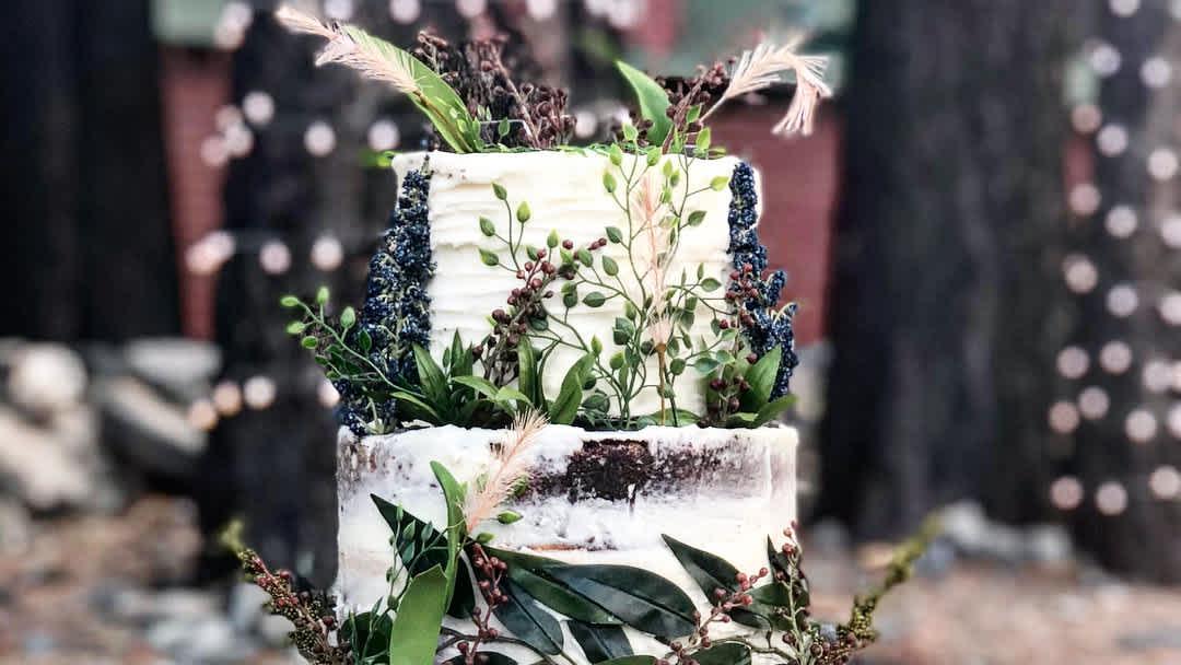 20 Enchanting Rustic Wedding Cakes Cafemom Com