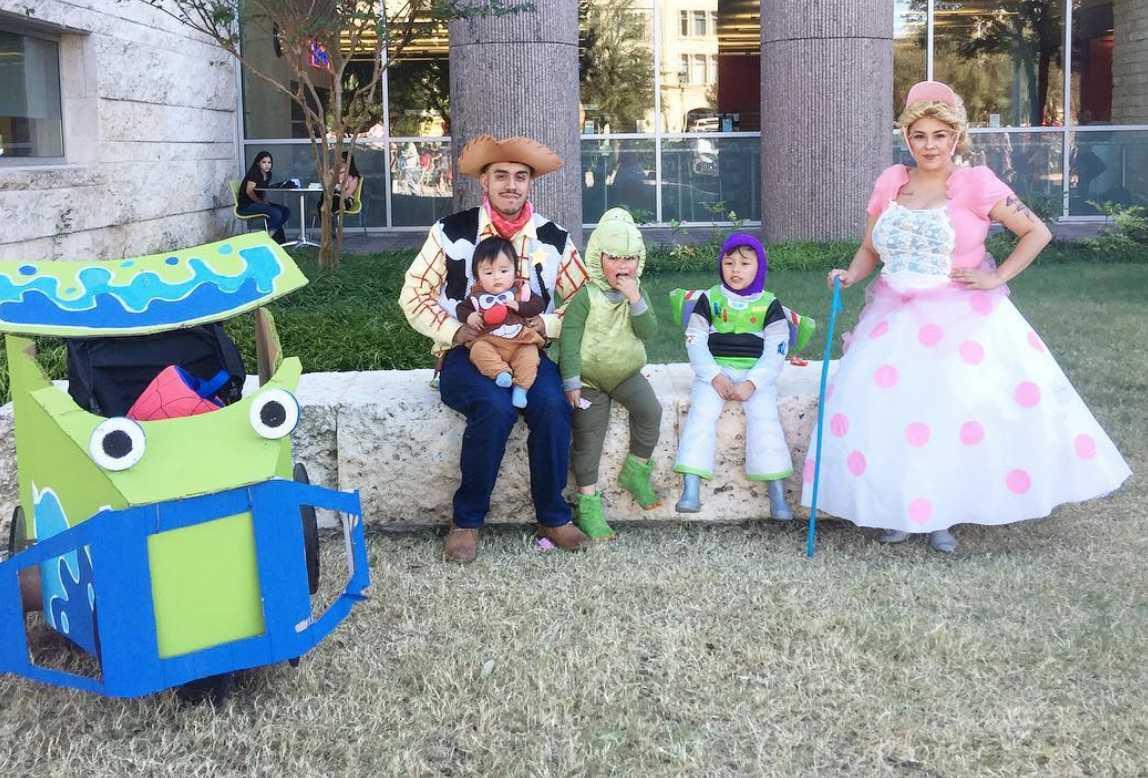 20 Magical Disney Themed Family Halloween Costumes Cafemom Com