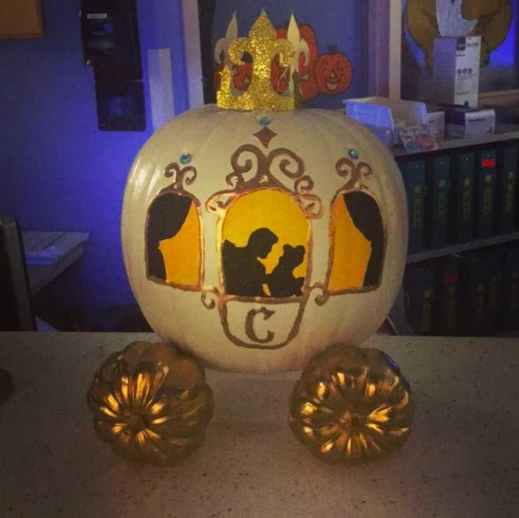 20 Disney Pumpkins To Add Some Magic For Halloween Cafemom Com