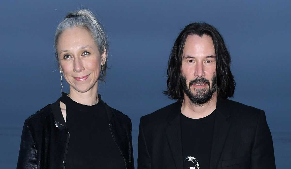 15 Things To Know About Keanu Reeves Girlfriend Cafemom Com