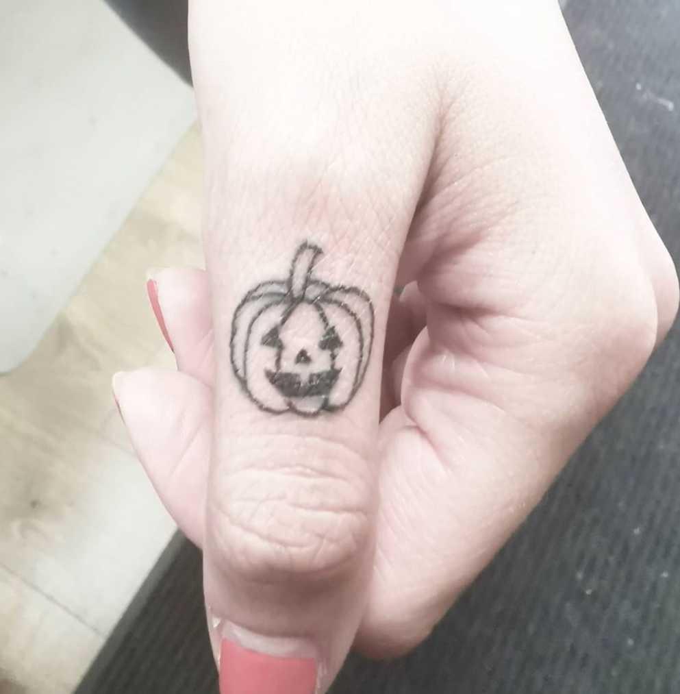 Jack-O'-Lantern Finger