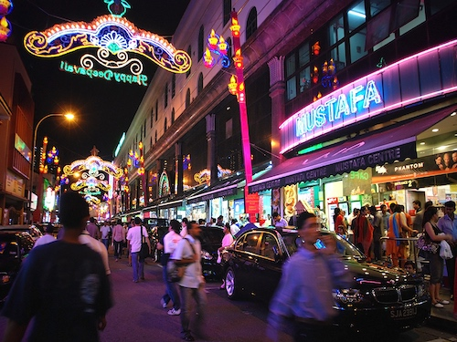 24-Hour Shopping in Singapore- Mustafa Article Photo STB Resized