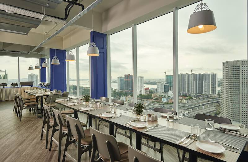 7 Luxurious Hotels in Johor Bahru for A Romantic Article Photo Business 3 Resized