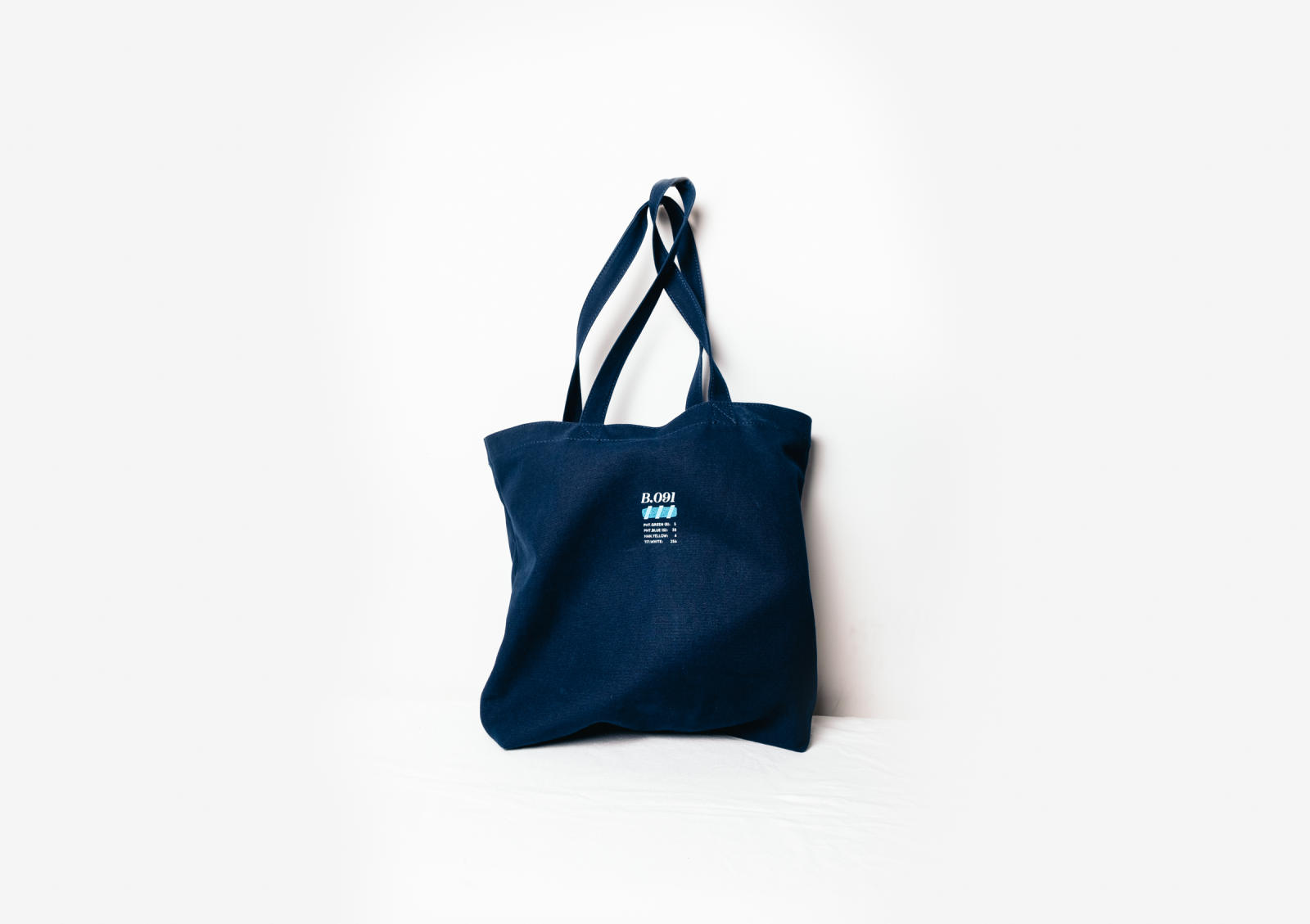 hc-tote-blue-back-wide