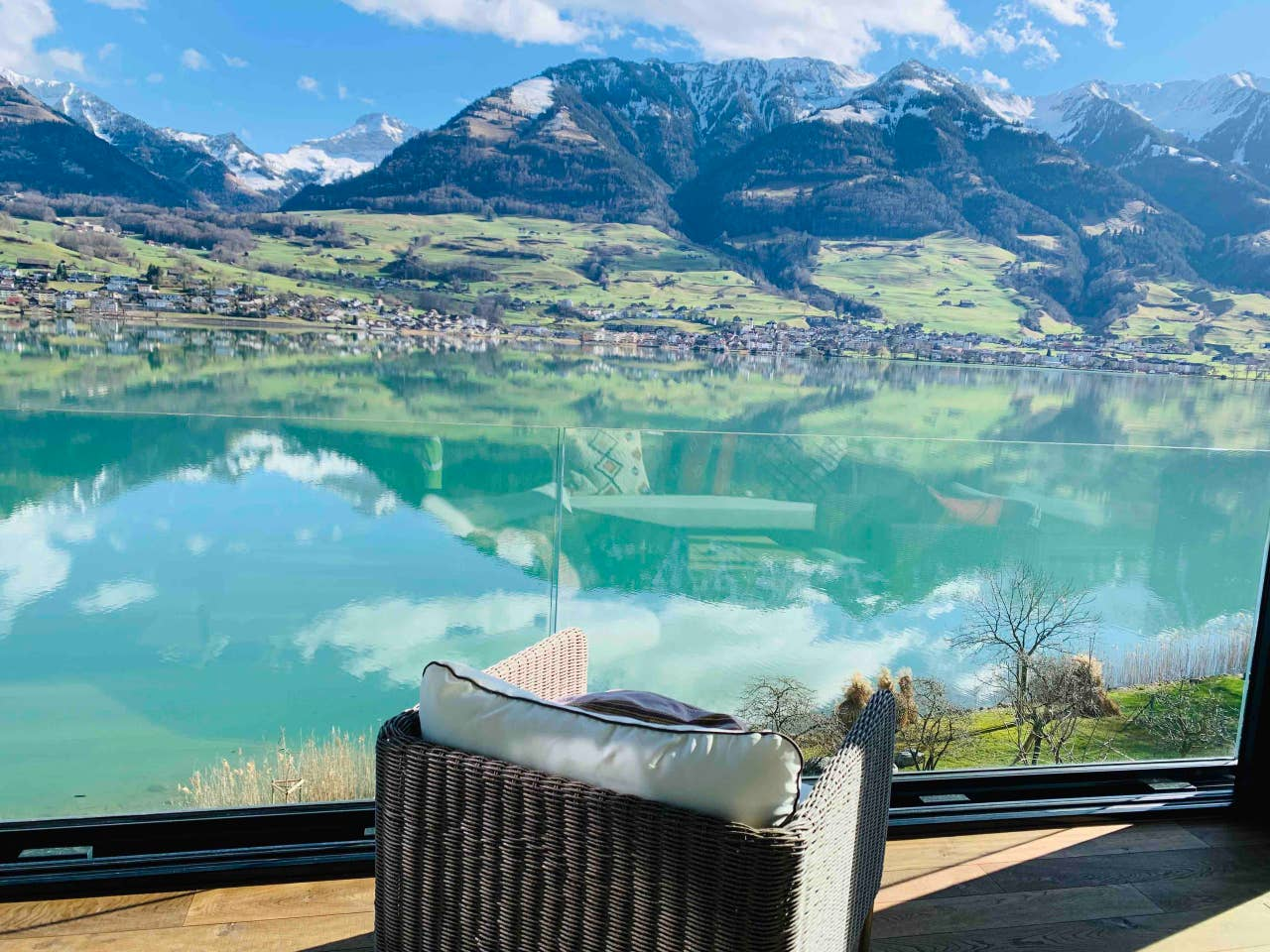 Penthouse Villa Wilen, Switzerland
