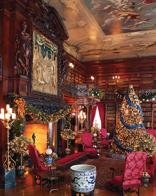 The library in Biltmore.