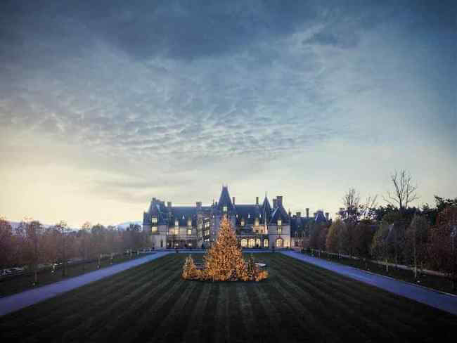 The front lawn of Biltmore at Christmas time.