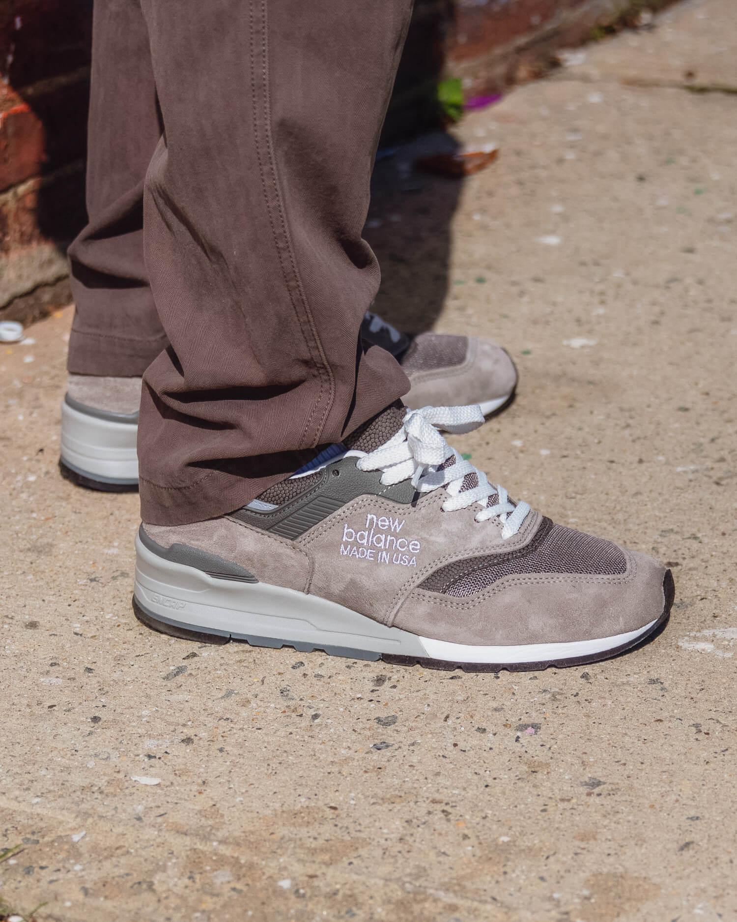 new balance grey day 997s