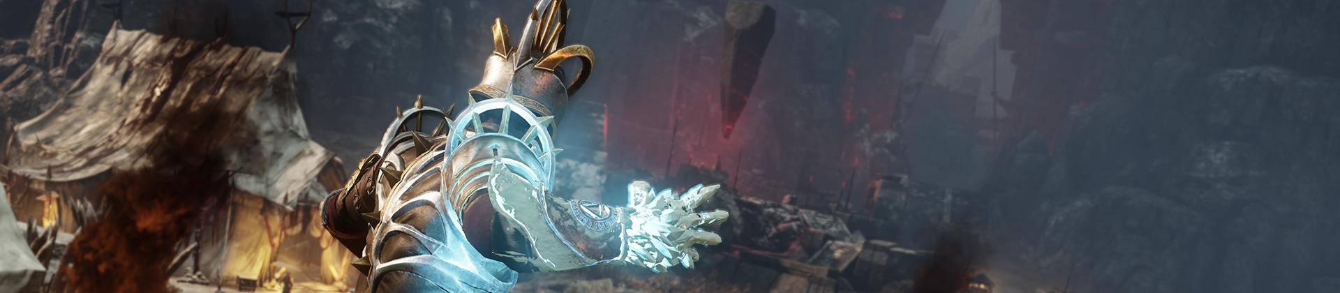 Ein Screenshot von New World, in dem ein Charakter mit der Eisstulpe an der Hand über ein Feld mit Zelten der Verderbten blickt. Sein Arm glüht weißblau, als wäre er kurz davor, einen Zauber zu wirken.