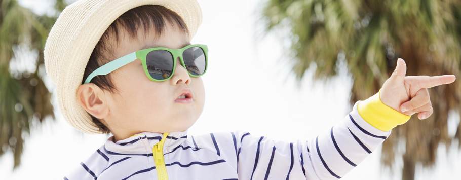 Do children need to wear sunglasses?