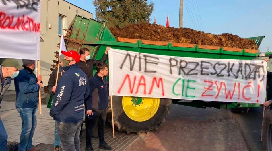 Agrounia - protest