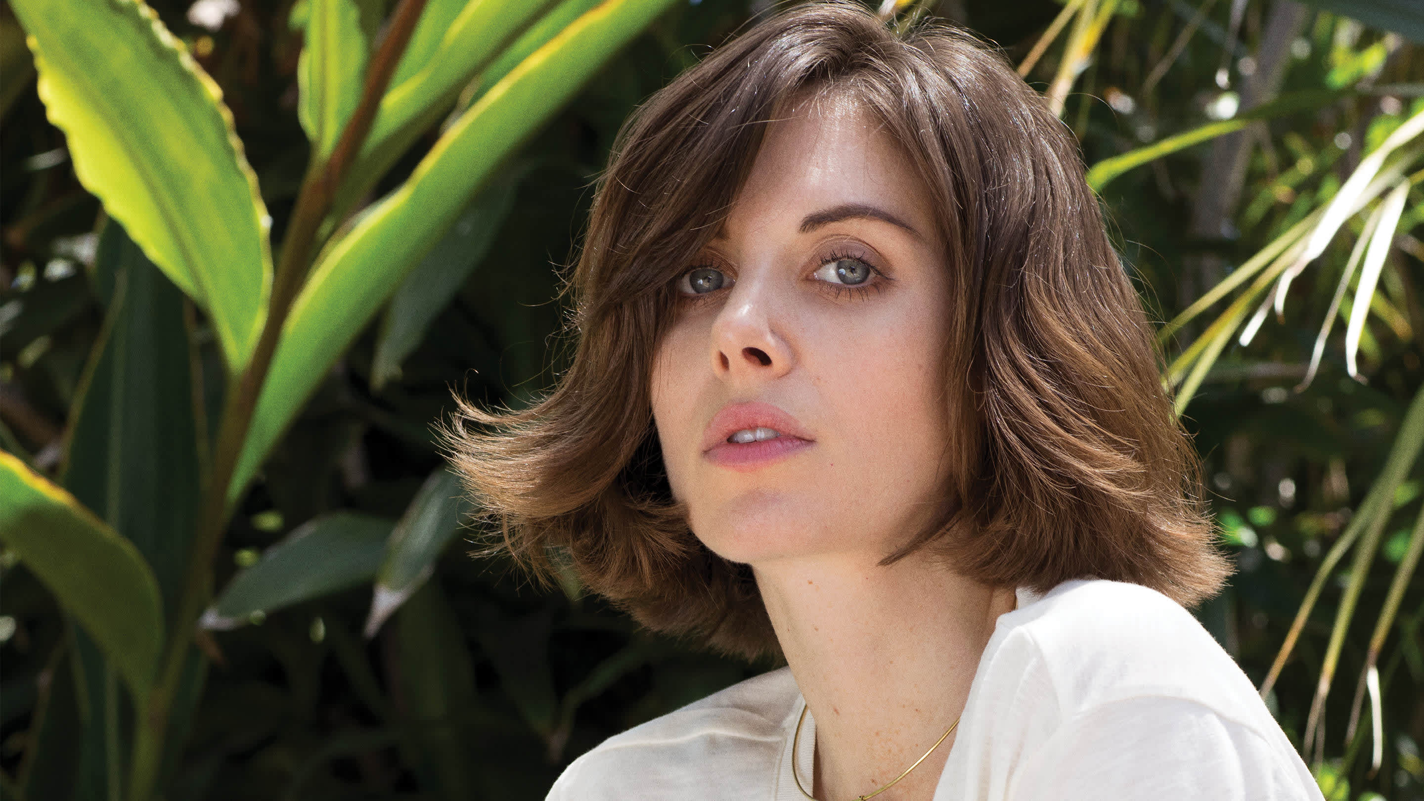 Alison Brie Glow Boobs alison brie talks going nude, wrestling in 2016 playboy 20q