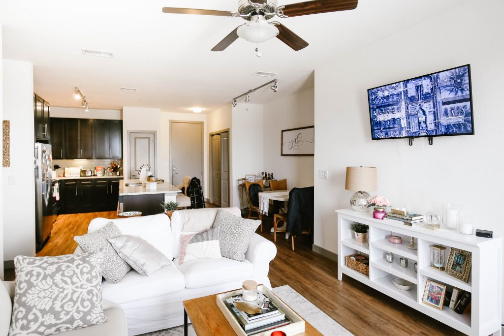 How To Find Furnished Apartments Pros, Furnished Living Rooms