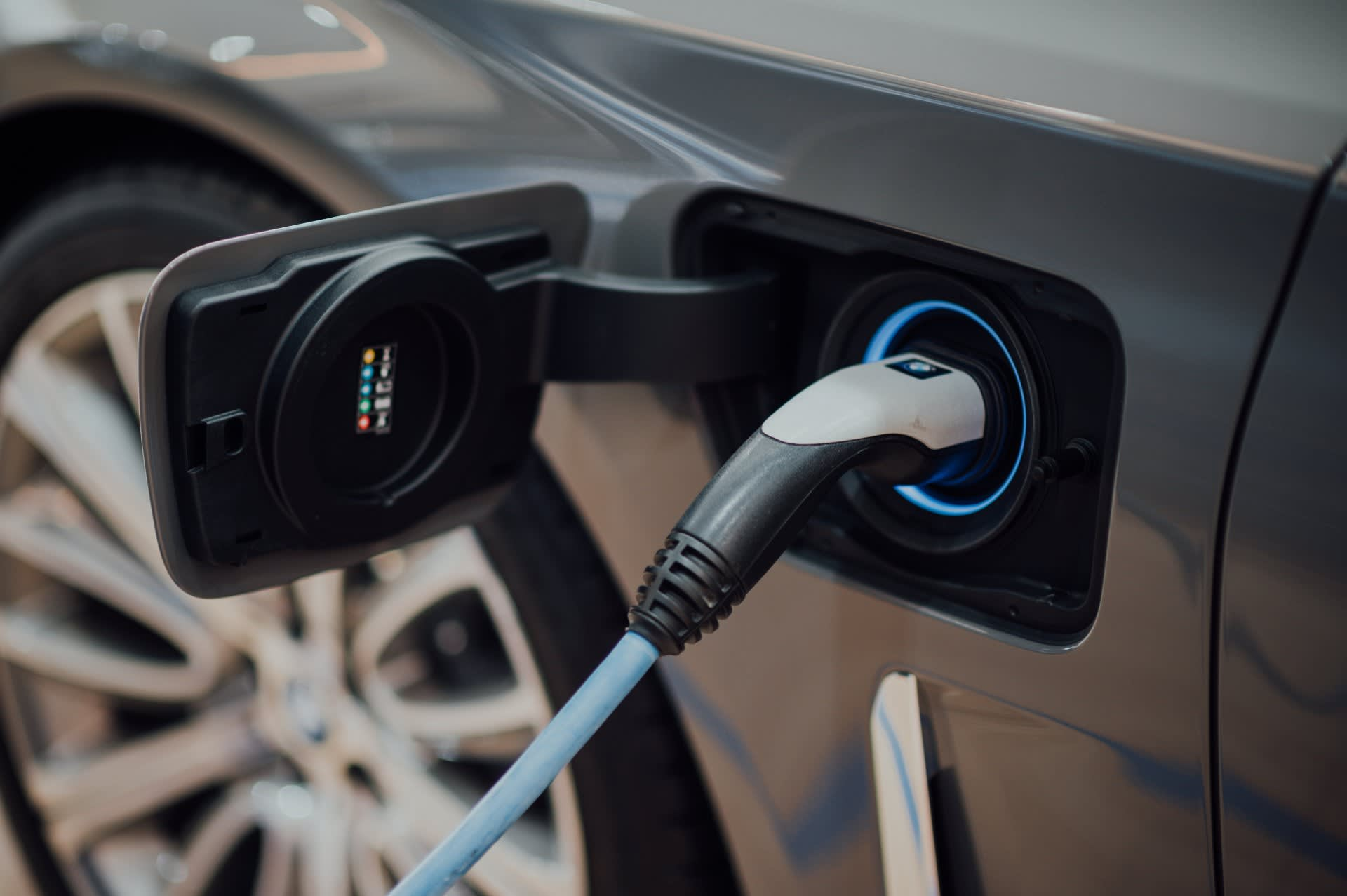 What is Vehicle to Grid charging? - Hero Image