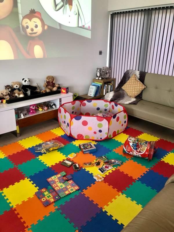 Hi-Bees  tiney home nursery - setting image