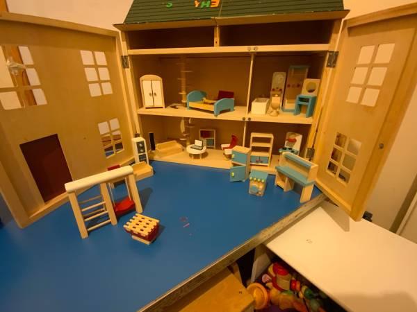 Fiona's  tiney home nursery - setting image