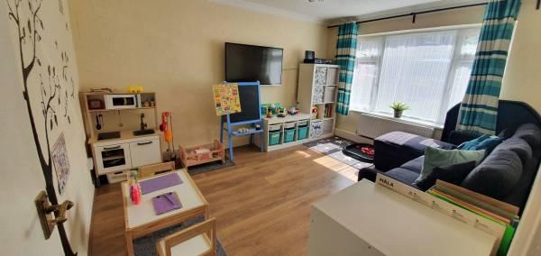 Manitas / little hands tiney home nursery - setting image