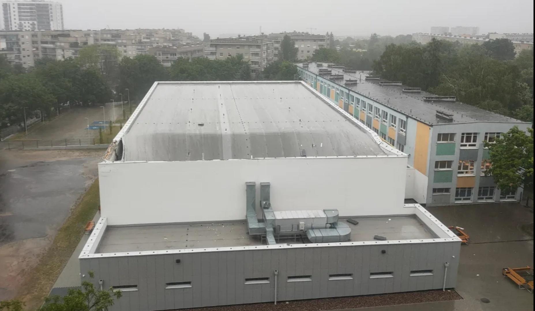 Zawalił się dach hali sportowej w Poznaniu