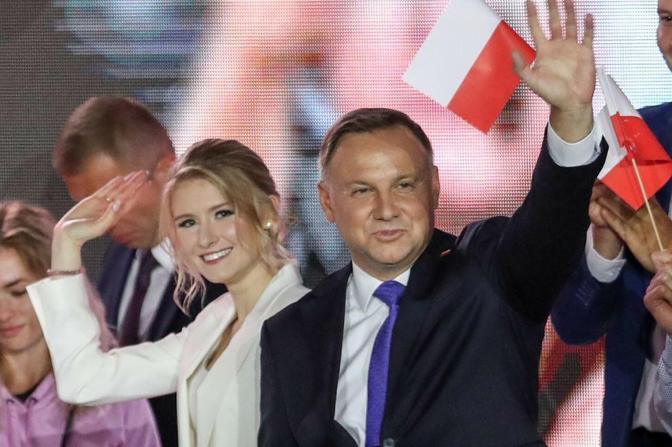Andrzej Duda skomentował doniesienia  ślubie córki