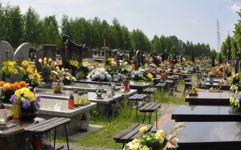 cmentarz grob