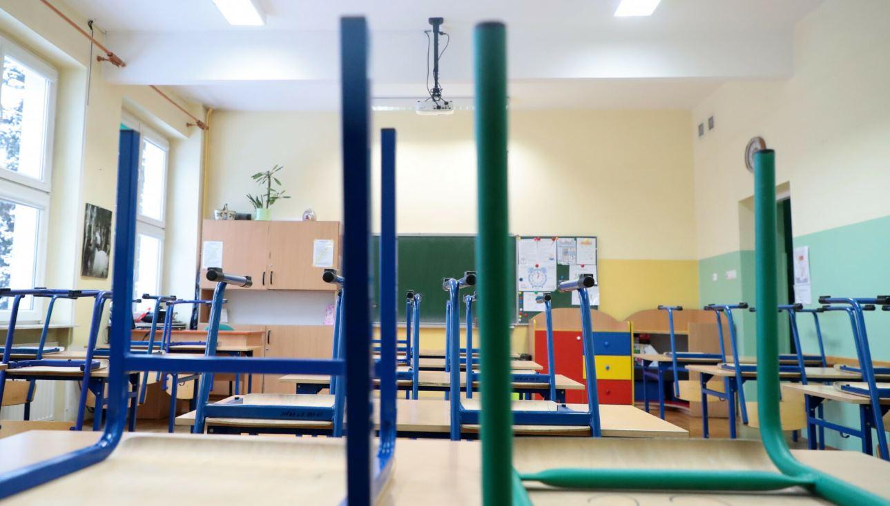 ognisko koronawirusa szkola