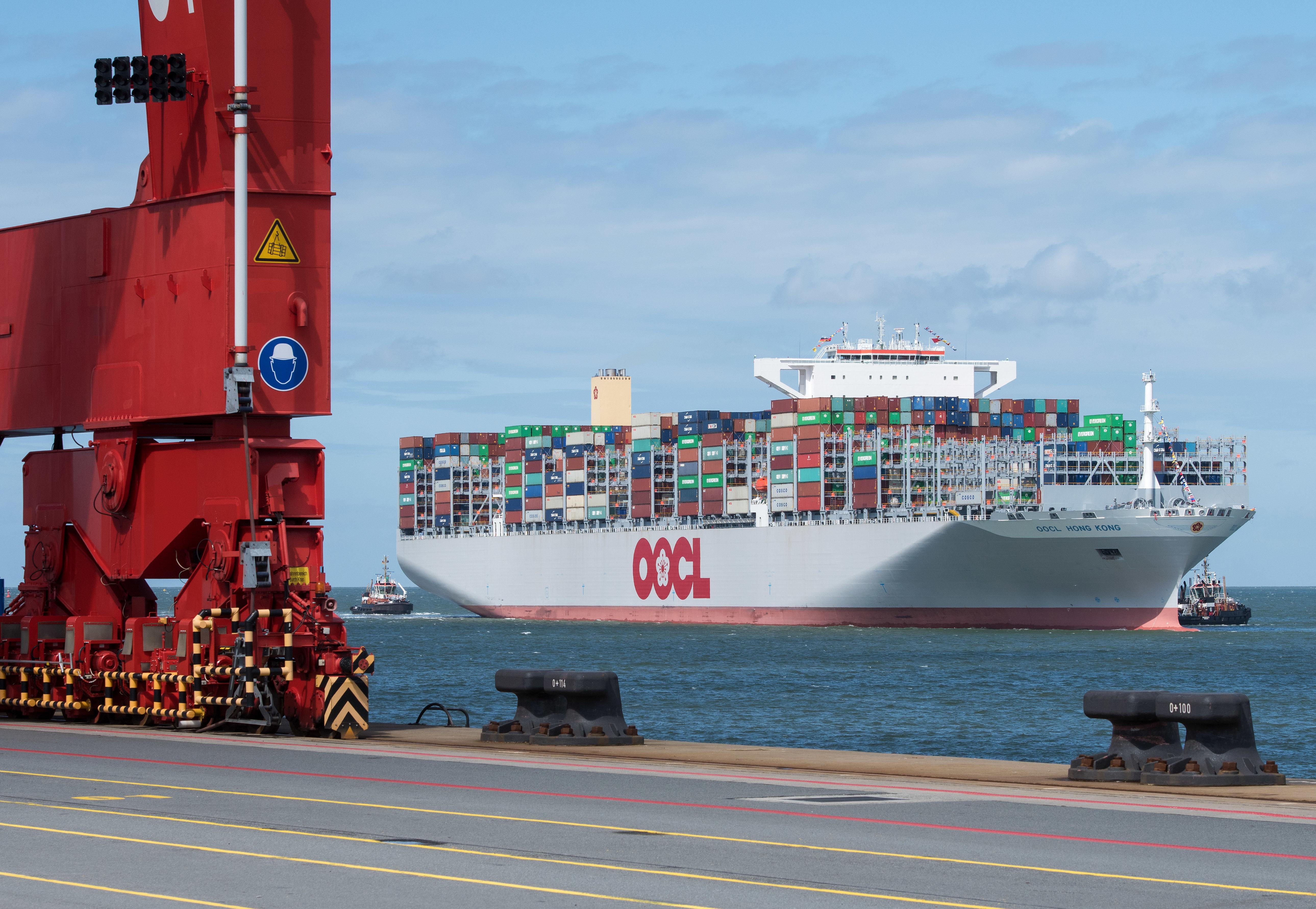 Containerschiff dpa