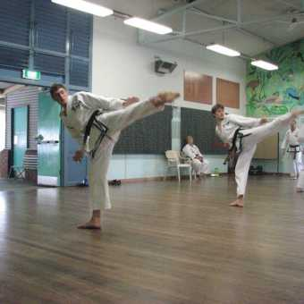 instructor-and-black-belt-training - img 2335