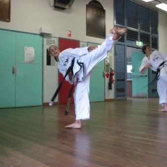 instructor-and-black-belt-training - img 2338