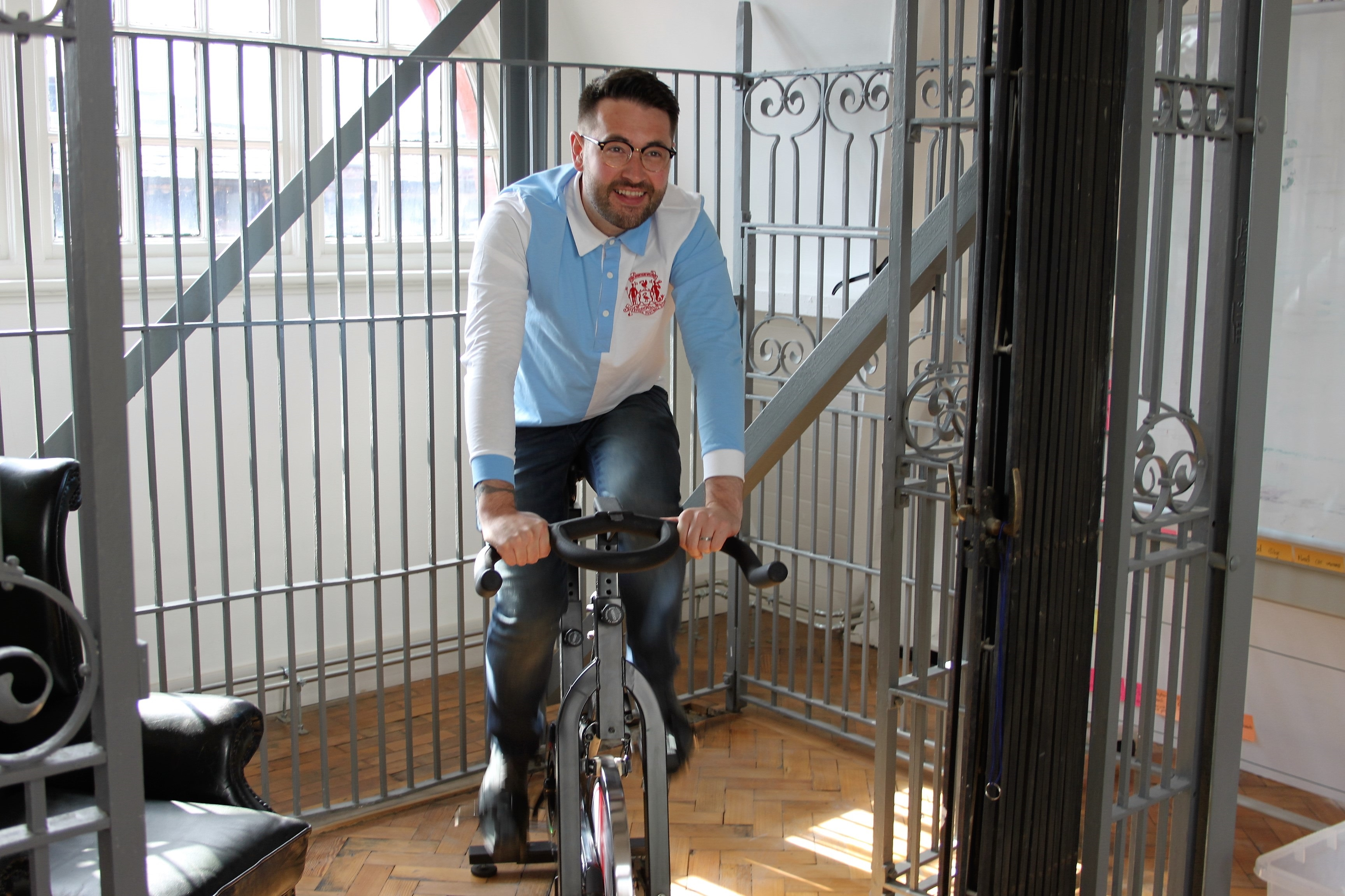 Tom cycling 2