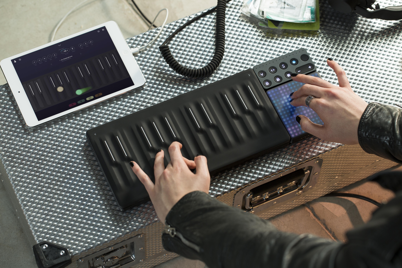 emulator dj touch screen price in india