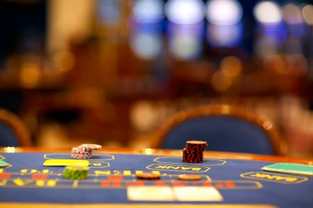Casino game with dice