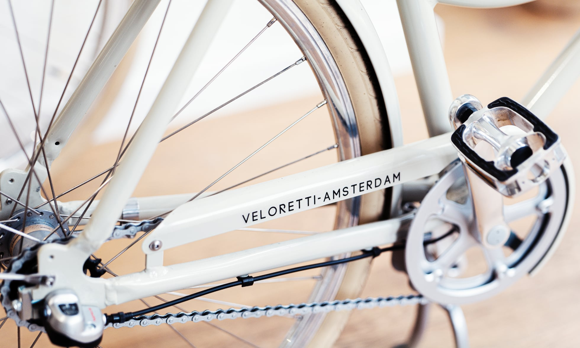 A close up on a Veloretti Bicycle