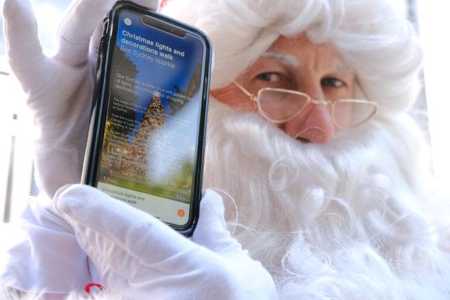 De wandeling met kerstverlichting en -decoraties is beschikbaar om te downloaden in de Sydney Culture Walks-app.  Afbeelding: Chris Southwood / City of Sydney