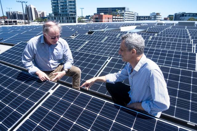 Chris Collins and David Bennett, City of Sydney Green Infrastructure Team.  Credit: Chris Southwood / City of Sydney.