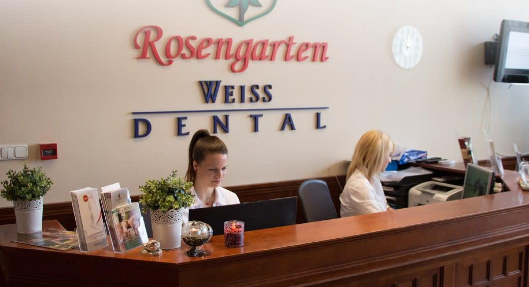 Reception at Rosengarten Weiss Dental Clinic in Sopron, Hungary.