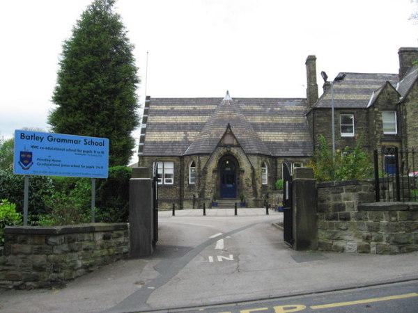 Batley Grammar School geograph.org.uk 414334