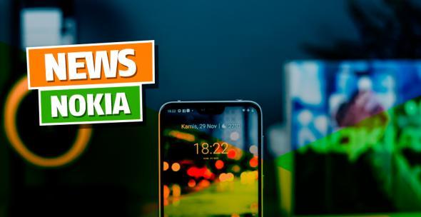 Symbolbild zu Nokia-News mit Nokia-Smartphone und Schriftzug im Hintergrund.
