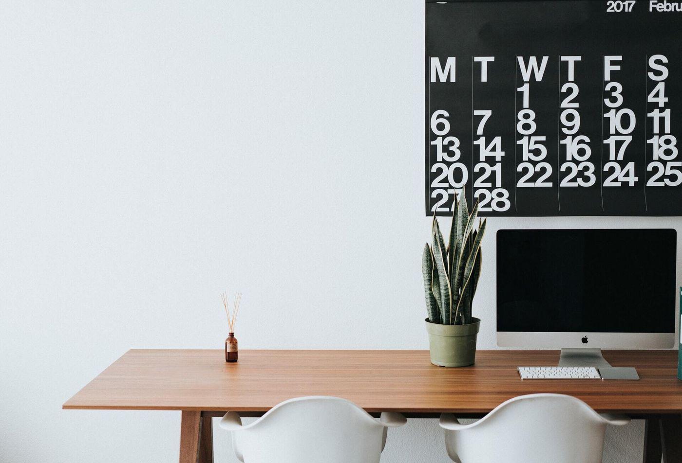 Black white calendar