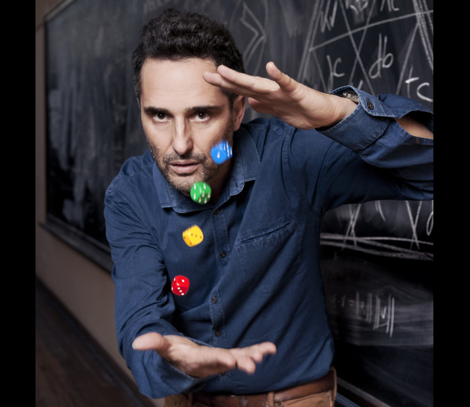 Jorge Drexler portrait with dice