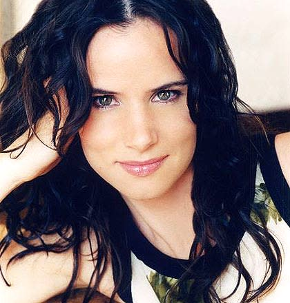 Juliette Lewis headshot