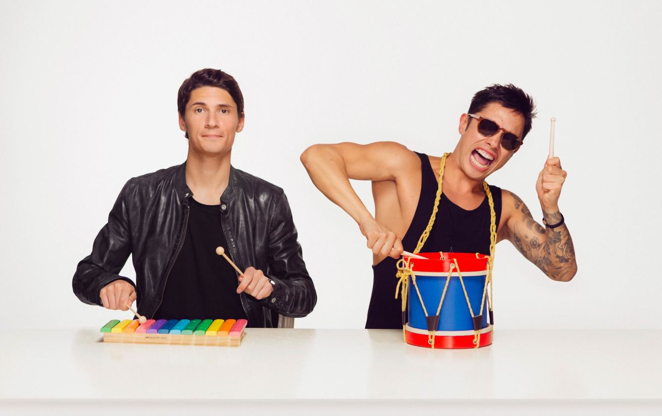 Bassjackers photo with toy instruments