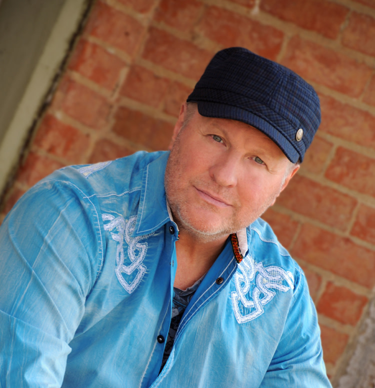 Collin Raye headshot