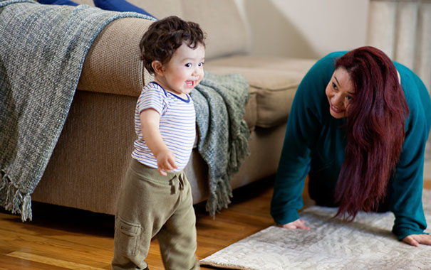 mom-to-mom-unexpected-home-hazards-now-that-your-baby-is-development-and-key-milestoneswalking