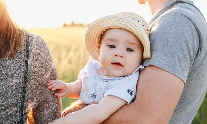 בכוויות שמש אצל תינוקות וילדים
