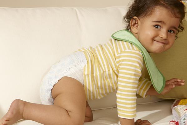 פמפרס: מעוצב בצורה בטיחותית למען תינוקות שמחים ובריאים