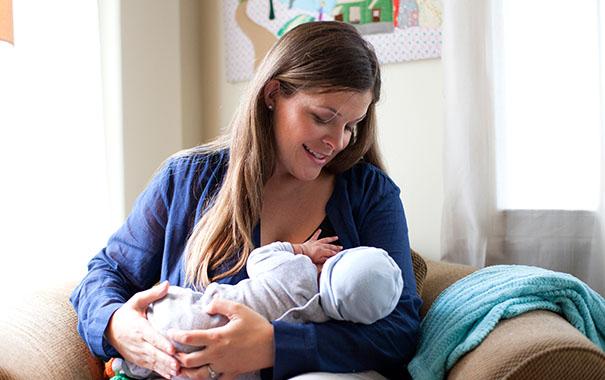 breastnewborn-carefeeding-the-second-time-around