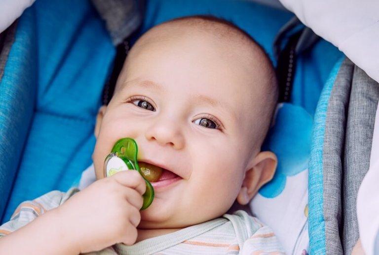 מוצץ לתינוק