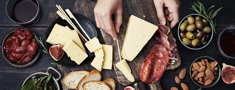Jouluna herkutellaan kotimaisilla Valio-juustoilla